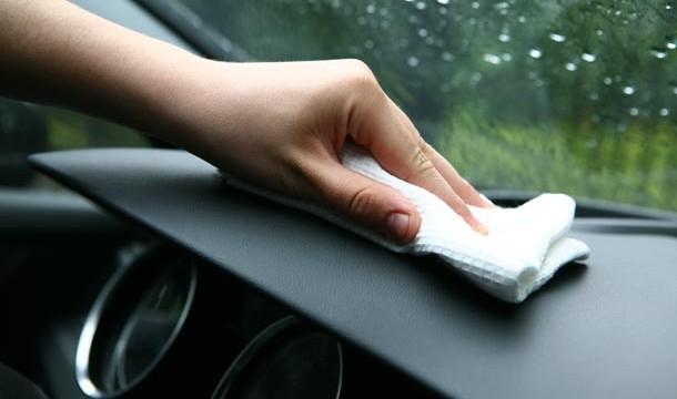 Обработка пластиковых поверхностей автомобиля